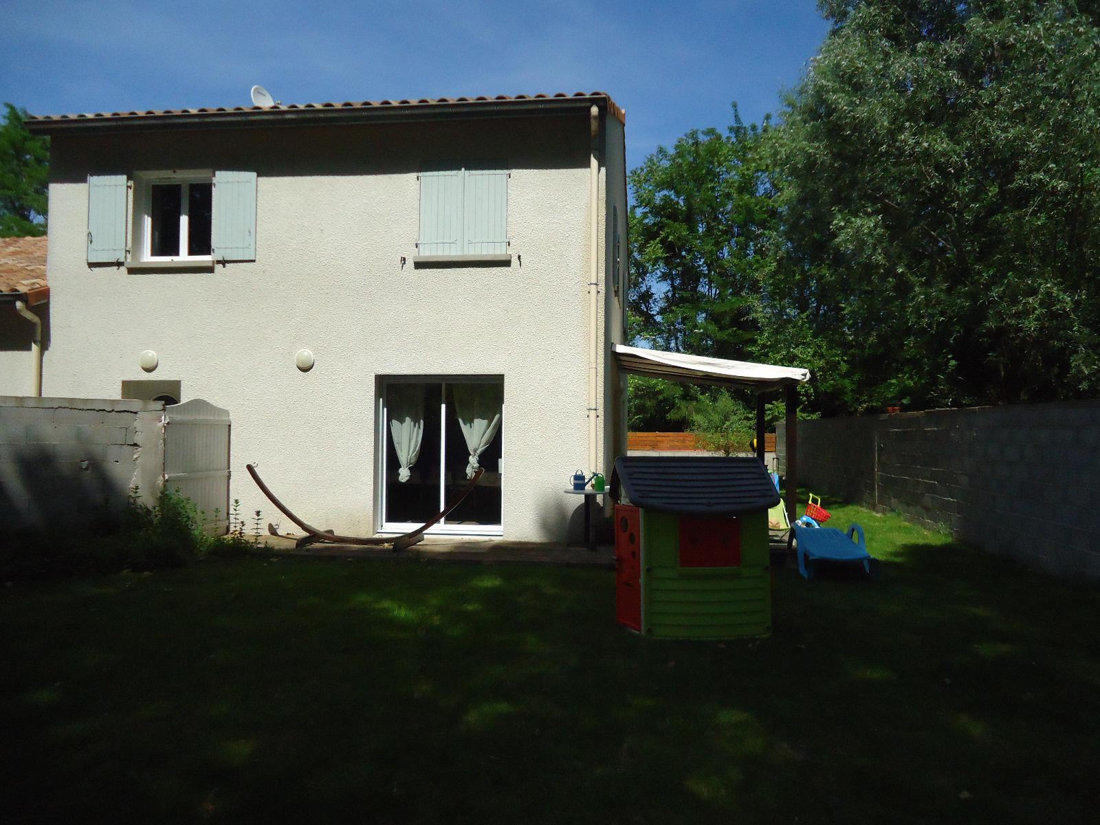 Annonce location maison vion 07610 140 m 900 for Annonces location maison